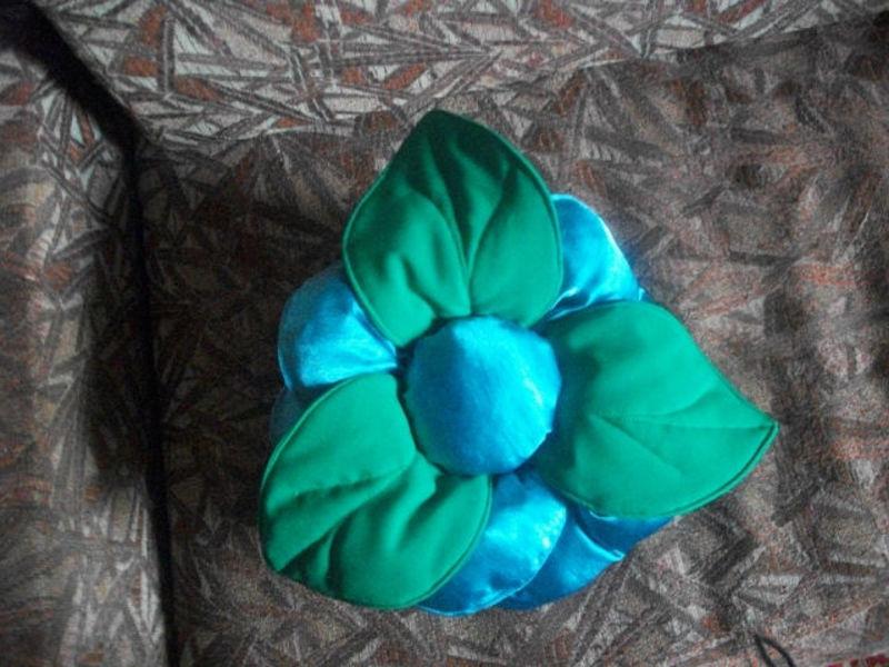 подушка в форме розы,своими руками,мастер класс,шьем подушку розу,подушка в виде цветка,мягкая подушка,диванные подушки,пошаговое фото,аксессуары для мягкой мебели