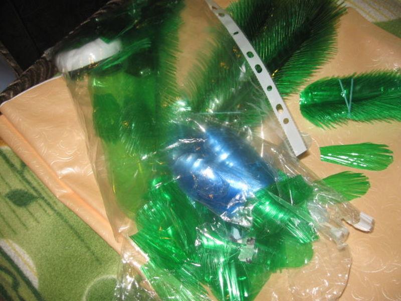 павлин из пластиковых бутылок,мастер класс,мк,птицы из пластиковых бутылок,пошаговое фото,обустройство приусадебного участка,садовые фигуры.своими руками.поделки из пластиковых бутылок,хвост павлина,декорирование дачного участка
