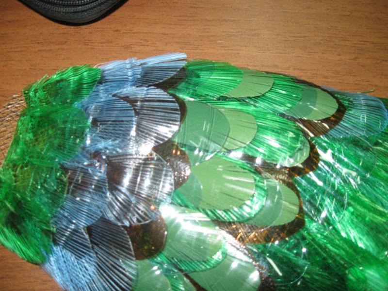 Павлин из пластиковых бутылок пошаговое фото