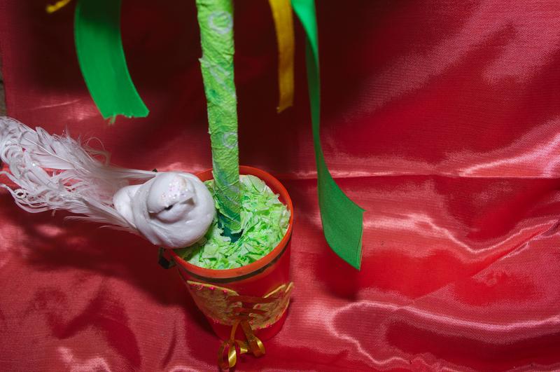 дерево счастья, сердце, из гофрированной бумаги, мастер класс, торцевание, топиарий, своими руками, подарки, День Всех Влюбленных, День Святого Валентина, поделки с детьми, детские поделки, 14 февраля, украшения для дома, пошаговое фото, обьемная аппликация из бумаги