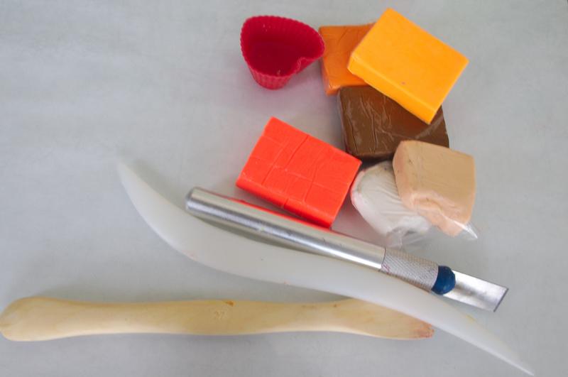 пирожные из полимерной глины,мастер класс,мк,сладости из термопластики,еда,полимерная глина,печенье в форме сердце,лепить сладости,бижутерия,своими руками,подарки