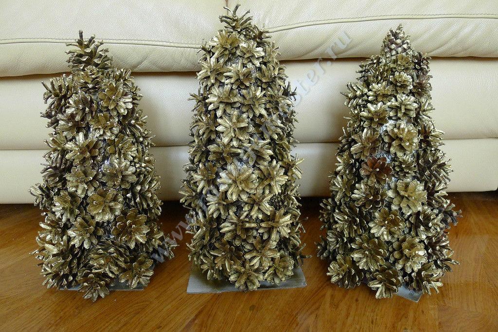 Большая новогодняя ёлка своими руками из подручных